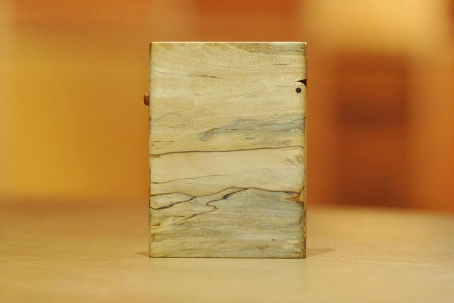 木の名刺入れ:樫(カシ)スポルテッド