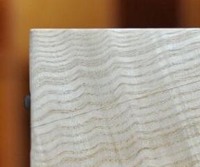 木の名刺入れ:タモ縮み杢 12,000円