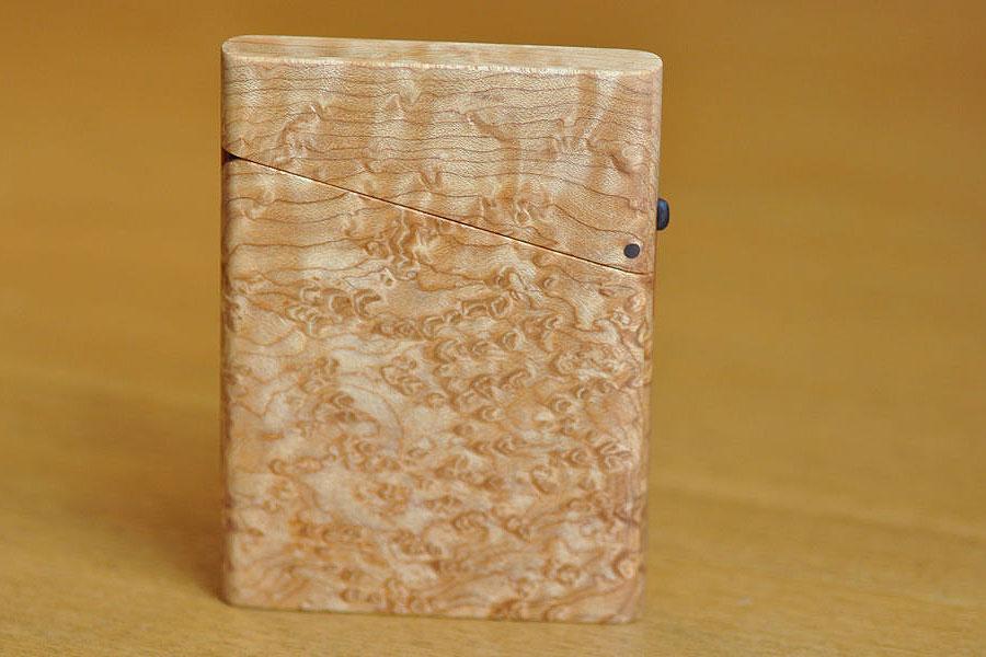 木の名刺入れ:バーズアイメイプル