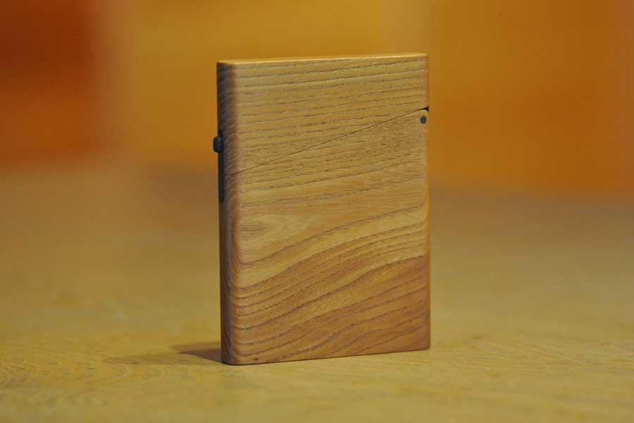 木の名刺入れ:ケヤキ1