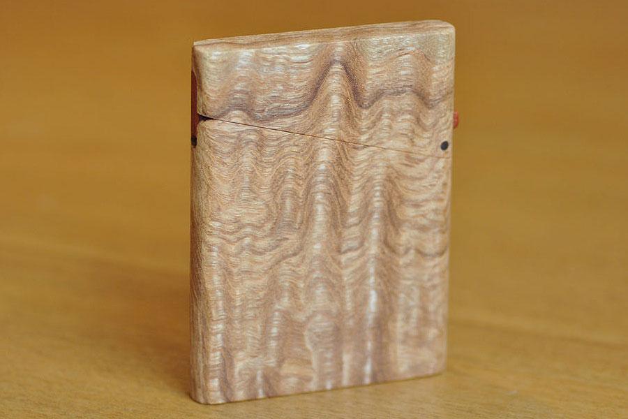 木の名刺入れ:タモ縮み杢
