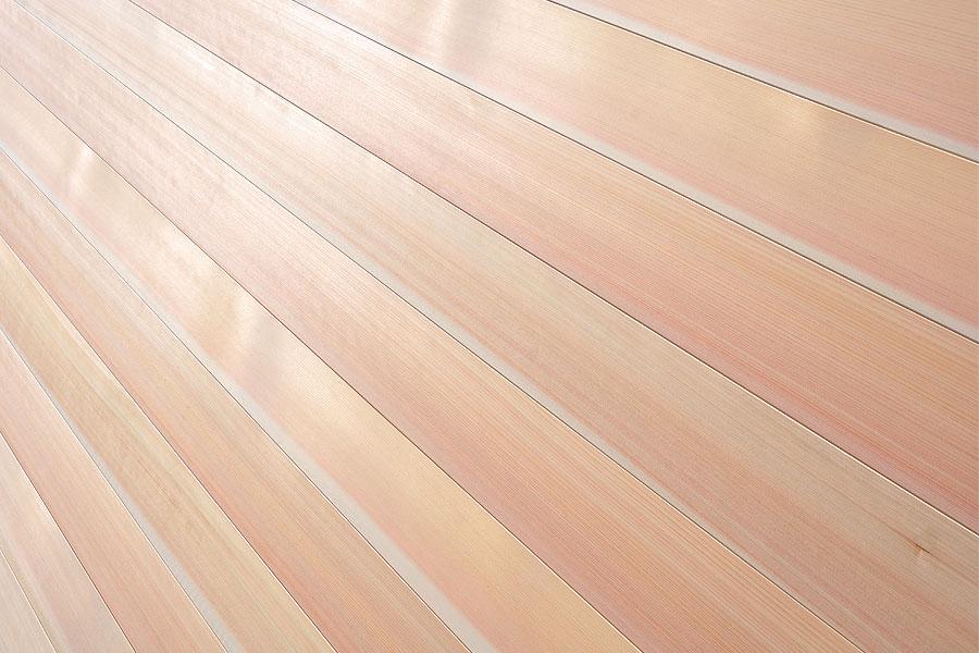 国産針葉樹の柾目桧フローリング